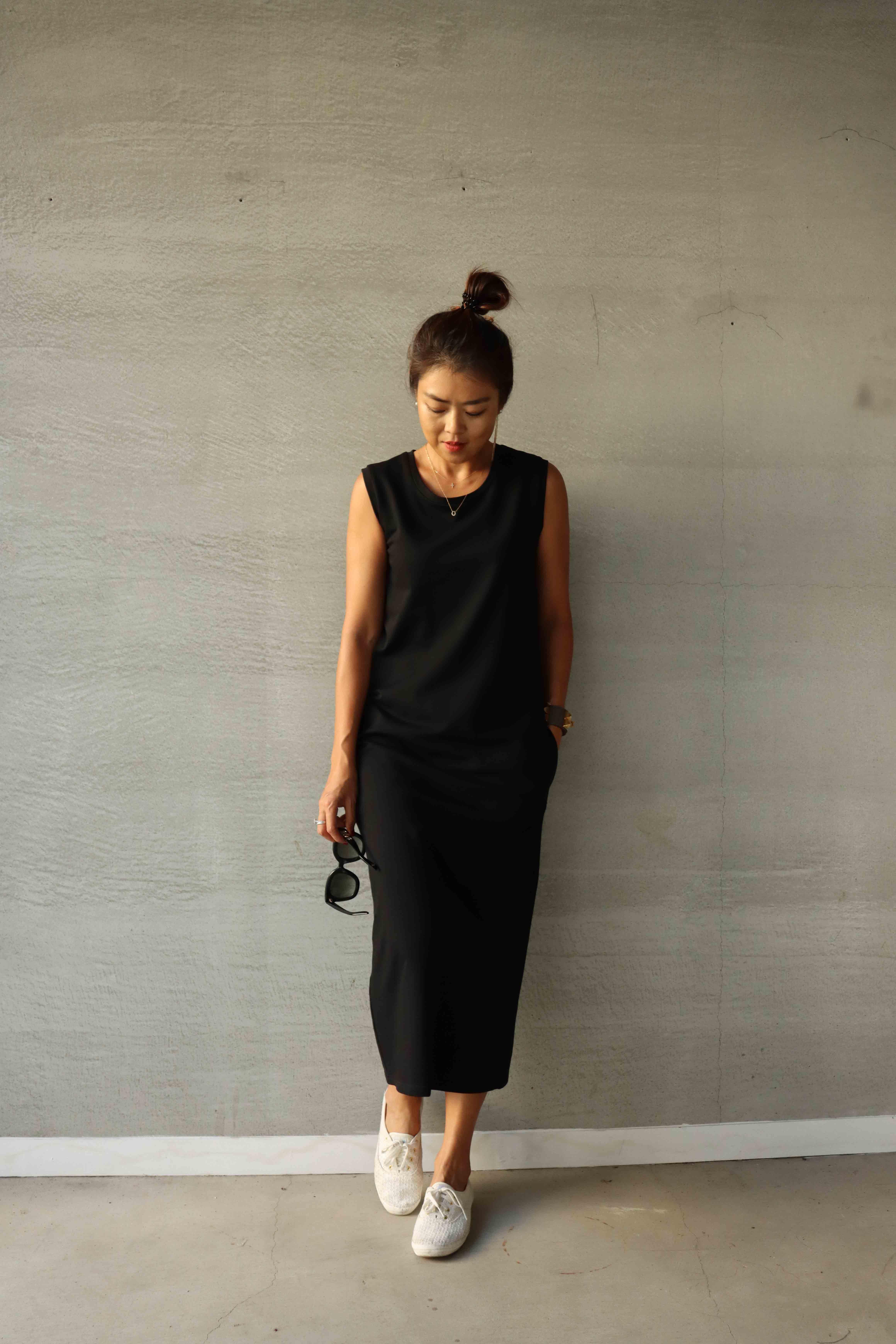 黑色無袖純棉背心洋裝