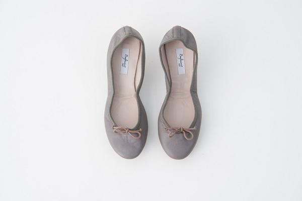 小羊皮圓頭芭蕾舞鞋 大象灰