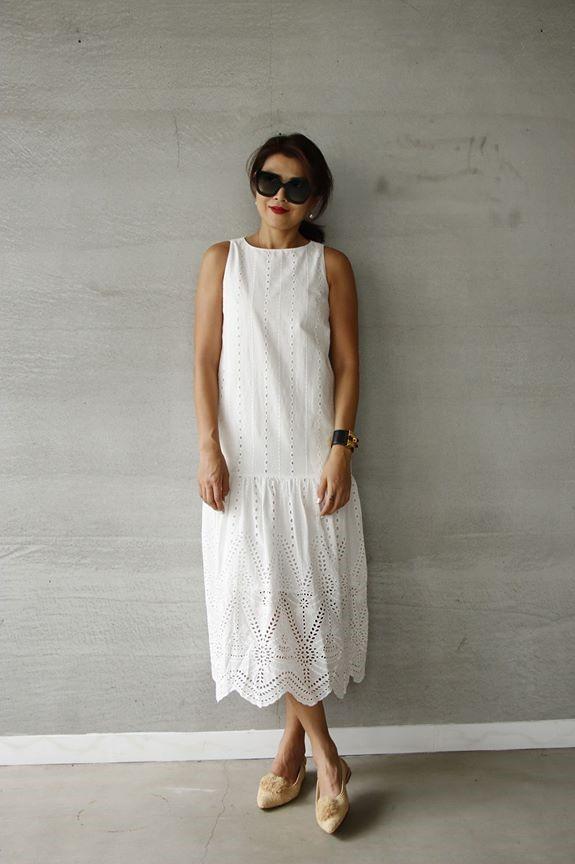 無袖簍空蕾絲長洋裝 - 白