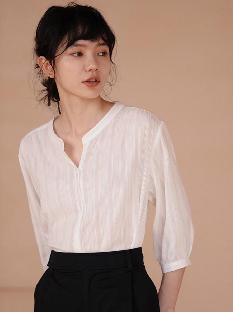 線條感面料涼爽五分袖襯衫