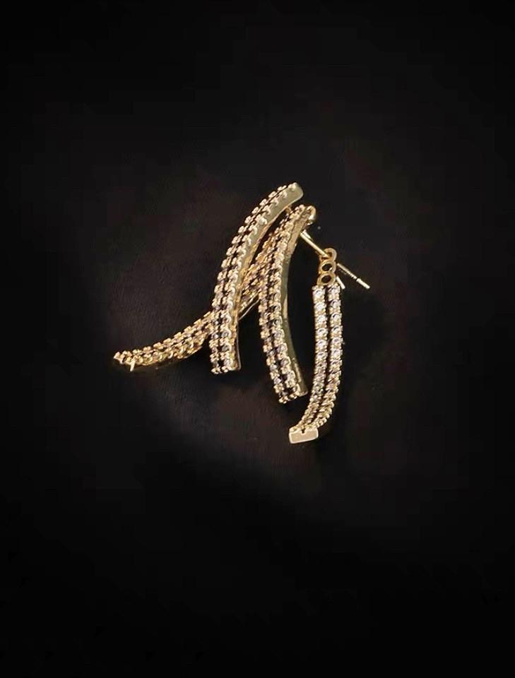 鑲鑽交叉造型耳環