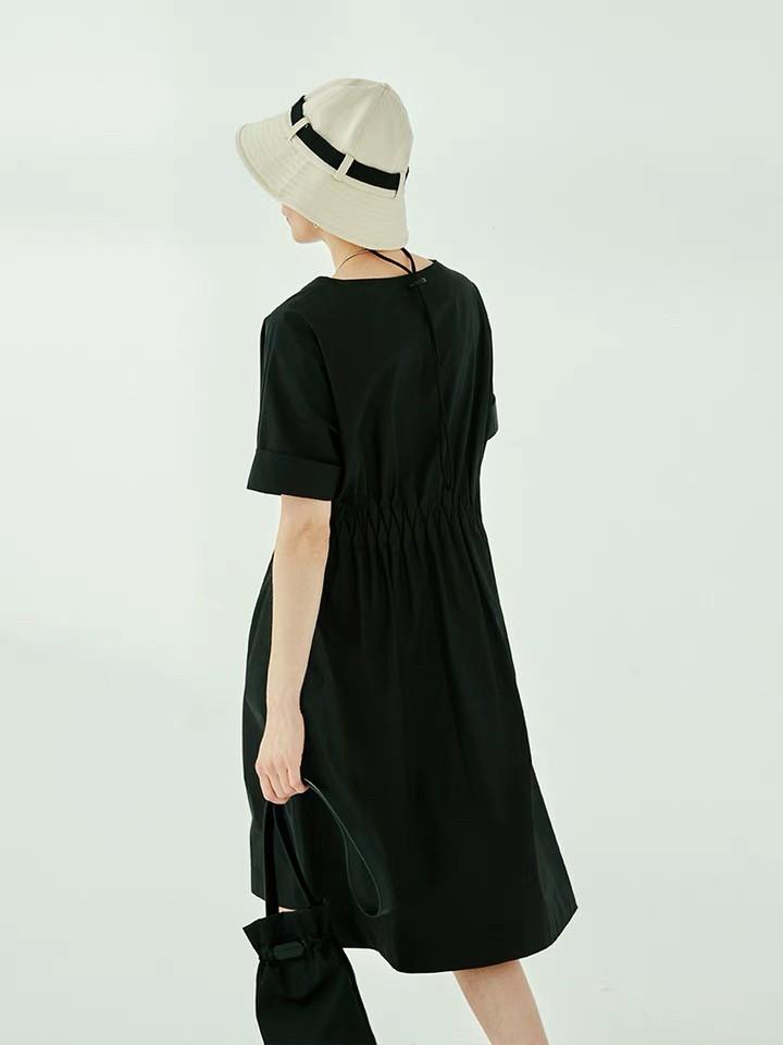 腰部菱型抓摺造型洋裝